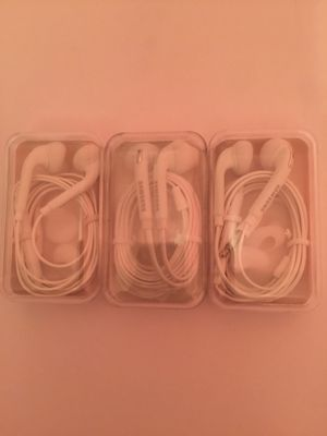 Three {3} Samsung Jewel Cases Headphones • Brand New for Sale in Queens, NY