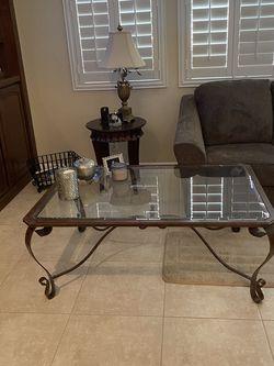 Bassett Beveled Glass Coffee & End Table for Sale in Las Vegas,  NV