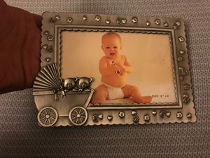 New•Heavy metal baby picture frame 👶 $1 for Sale in Hyattsville, MD
