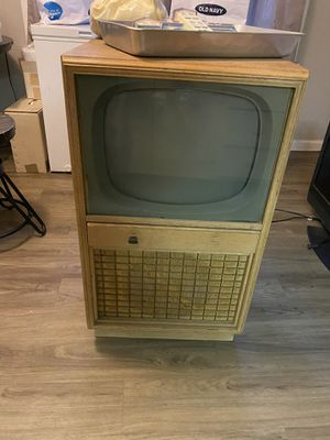 Vintage tv for Sale in Springfield, MA