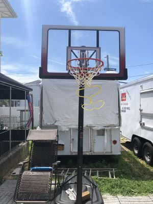 Basketball hoop for Sale in Levittown, NY