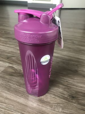 Purple Blender Bottle Classic 28 oz Shaker Mixer Cup with Loop Top for Sale in Chicago, IL