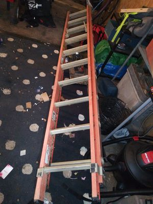 Werner 20 ft fiberglass extension ladder 300lb weight cap for Sale in Columbus, OH