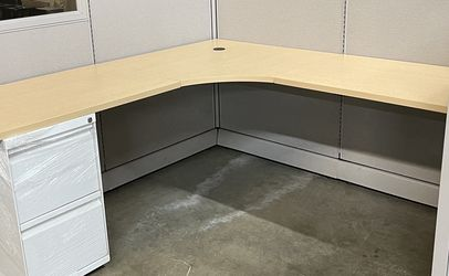 """6'x6' Cubicles 53""""H Panels w/Glass In - Herman Miller for Sale in Smyrna,  GA"""