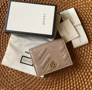 Gucci GG Marmont Card Case Wallet for Sale in Chandler, AZ