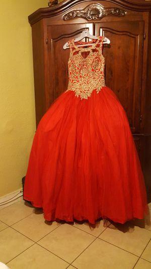BEAUTIFUL prom dress size Mediano Regular prece $400 for Sale in Ontario, CA