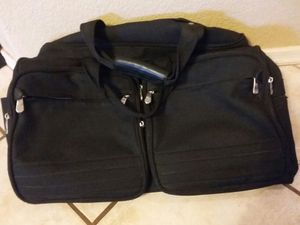 Huge duffle bag excellent condition very durable for Sale in Mesa, AZ
