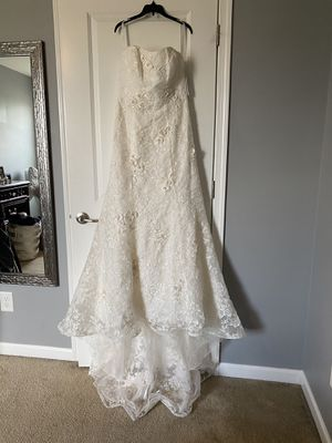 David's Bridal Strapless Mermaid Hem Wedding Dress for Sale in Murfreesboro, TN