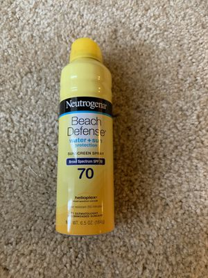 Neutrogena beach defense water plus sun sunscreen spray SPF 70 for Sale in Bellevue, WA