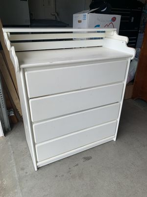 Baby Dresser for Sale in Salinas, CA