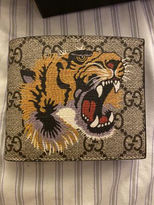 Gucci wallet for Sale in Livermore, CA