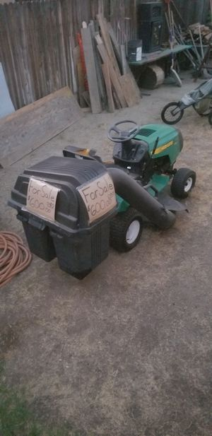 Weedeater Riding Lawn mower for Sale in Bakersfield, CA