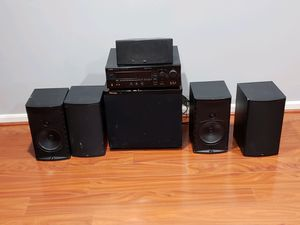 5 speaker Yamaha surround sound system with receiver and subwoofer for Sale in Woodbine, MD