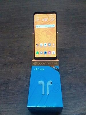 Lg STYLO 4 with wireless Bluetooth for Sale in Houston, TX