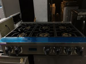 "Viking stainless steel 36"" wide all gas cooktop 6 burner for Sale in Pomona, CA"