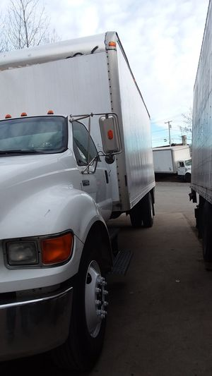 2006 Ford f650 24ft box truck for Sale in Boston, MA