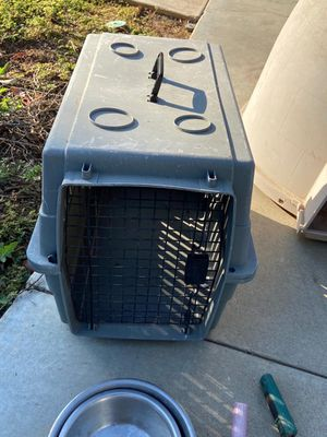 Dog Crate medium size for Sale in Riverside, CA