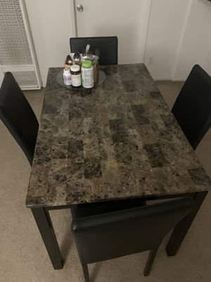 Dining room table for Sale in Los Alamitos, CA