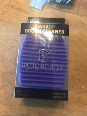 Makeup brush cleaner $7 for Sale in Laveen Village, AZ