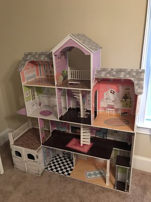 Girls Life Size Doll House for Sale in Prattville, AL