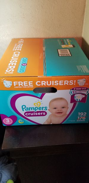 Pampers cruisers size 3 192 daipers $40 each box firm price for Sale in Los Angeles, CA
