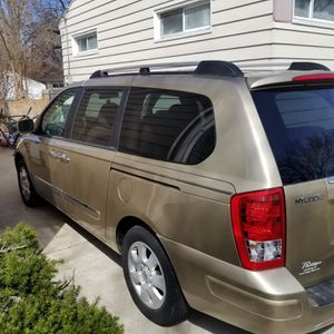 2007 Hyundai entourage for Sale in Flint, MI