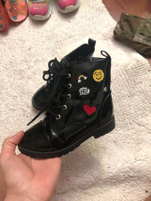Girls boots size 9 for Sale in Lombard, IL