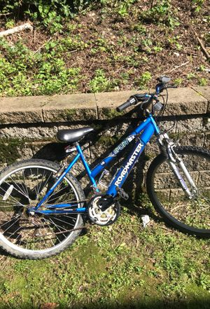 Roadmaster mountain bike for Sale in Pittsburgh, PA