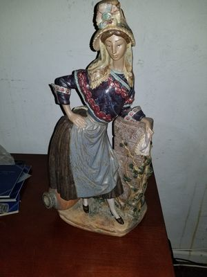 Lladro Lady in national costume for Sale in Pittsburg, CA