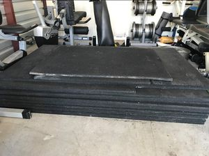 Gym Mats Horse Stall Garage Flooring Floor Mat - 4x6 - LIKE NEW 1in for Sale in Mansfield, TX