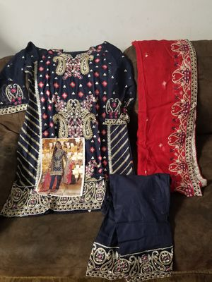Medium lawn embroidery 3pc dress for Sale in Baltimore, MD