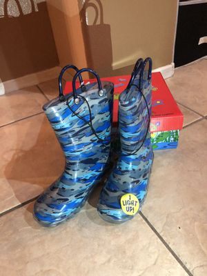 New rubber rain boots kids size 12 for Sale in Palmdale, CA