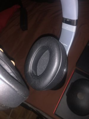 Beats studio wireless for Sale in Providence, RI