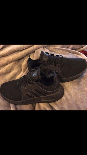 Adidas 4.5 kids 6 in women for Sale in Painesville, OH
