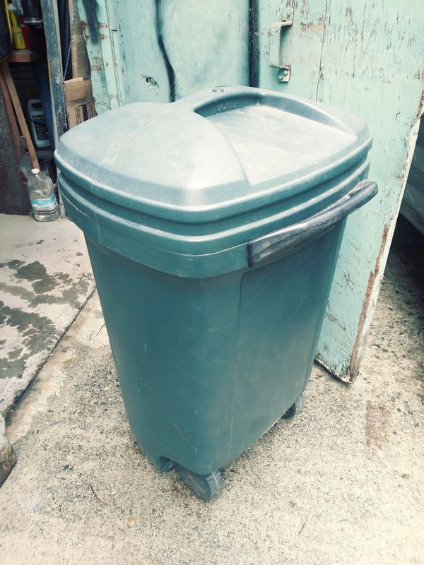 60 Gal Garbage Can On Wheels For Sale In Everett Wa Offerup