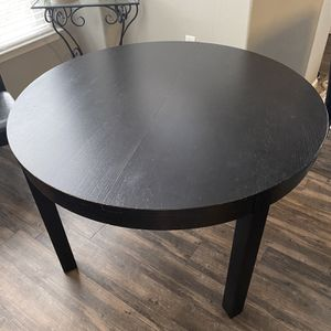 Table and 4 Chairs Set for Sale in Superior, CO
