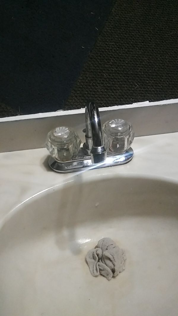 Standard bathroom vanity sink and faucet 25 inches wide 19 ...