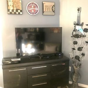 Tv Console And Display Cabinate for Sale in New Port Richey, FL