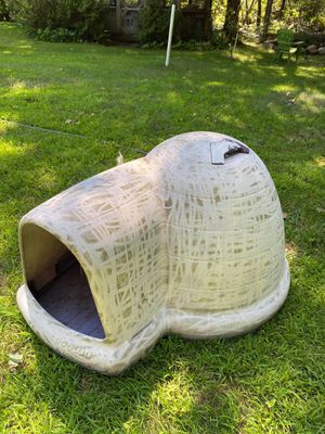 """""""DOGLOO"""" doghouse for Sale in Rutland, MA"""