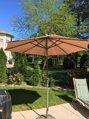 Pool umbrella set (3) bonus duck chlorinator for Sale in Fort Mill, SC