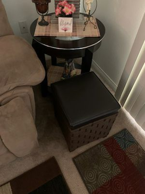 Pair of side tables and storage ottomans for Sale in La Habra Heights, CA