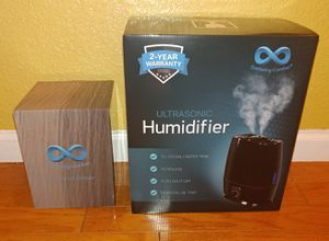 OIL DIFFUSER AND HUMIDIFIER. BRANDNEW. NEVER BEEN OPENED. PICK UP ONLY. for Sale in Modesto, CA