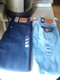 New Levi Pants Sz 32 34 for Sale in Sunrise Manor,  NV