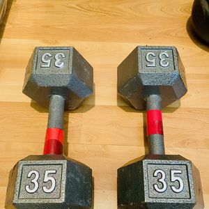 dumbbell set 35 lbs for Sale in Hayward, CA
