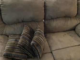 Couch And Loveseat for Sale in Livonia,  MI