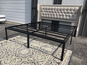 """New king size Tufted Headboard $165 and 18"""" king platform bed frame $100 for Sale in Columbus, OH"""