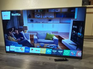 """SMART TV 55"""" INCHES LG 4K ULTRA HD 3840 X 2160P WITH REMOTE CONTROL NOT BASE for Sale in La Mirada, CA"""