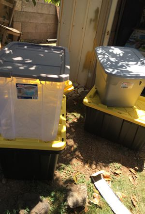 4 storage containers for Sale in Waipahu, HI