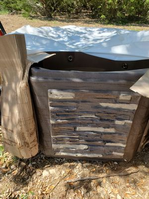Hot Tub Brand New for Sale in Austin, TX