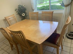 Wooden table with 6 chairs for Sale in West Bloomfield Township, MI